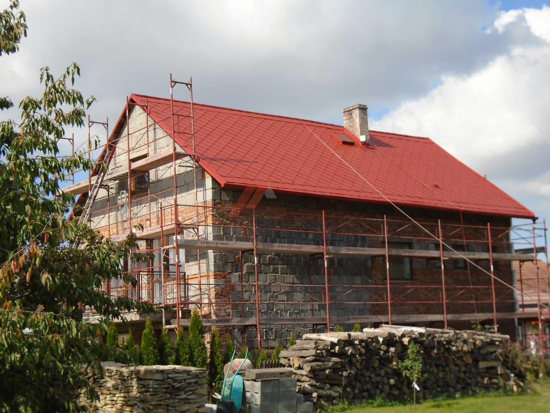 Vídenský | Renovační nátěr eternitové střechy 02 - Červený odstín